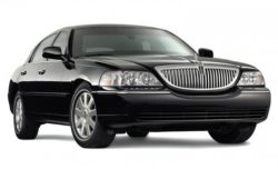 lincoln town car sedan limo rental fleet vehicle